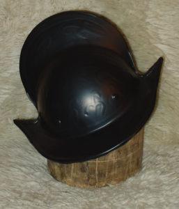 Le casque du 16ème siècle (Morion)